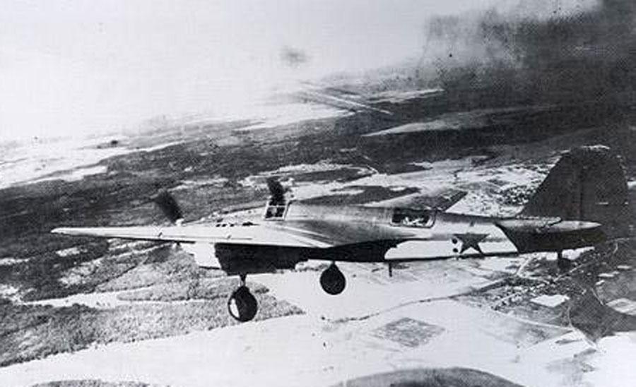 Tupolev-SB-2M103-VVS-Red-3-Russia-1941-01.jpg
