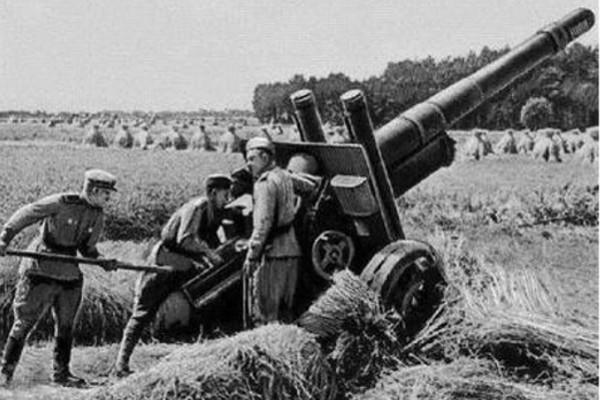 152_mm_howitzer-gun_M1937-min.jpg