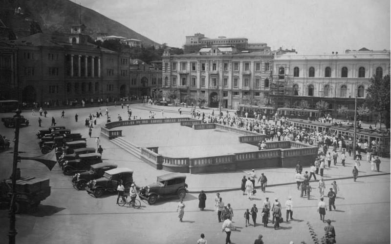 Beira-square-1941-Tbilisi-min.jpg