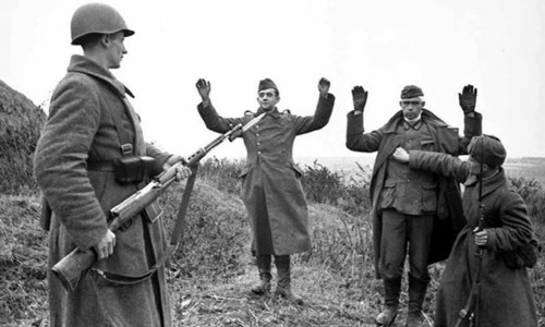 germans-surrendering-to-soviet-troops-min.jpg