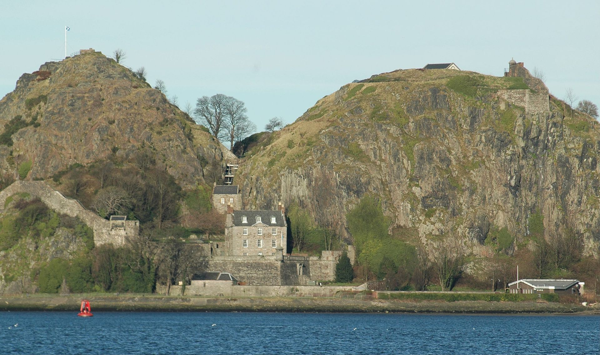 1920px-Scotland_Dumbarton_Castle_bordercropped.jpg